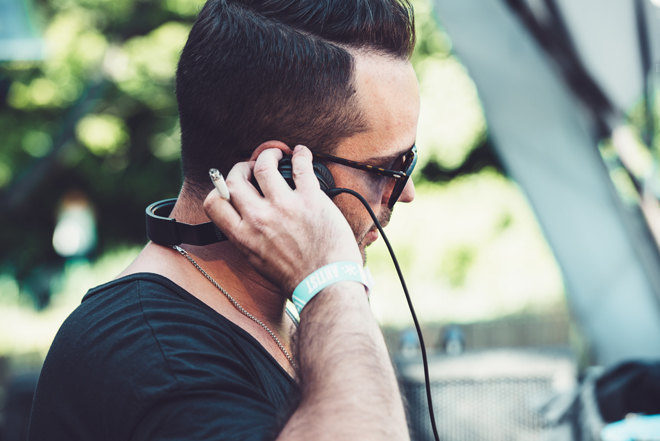 We are obsessed with this exclusive mix that Alex Niggemann sent us