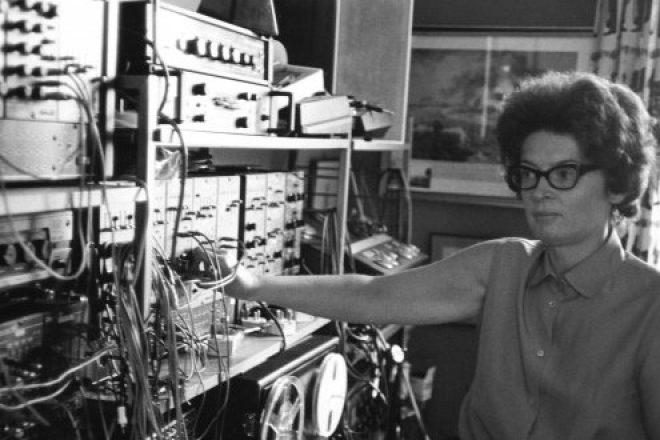 Electronic music pioneer Janet Beat releases first album at 83