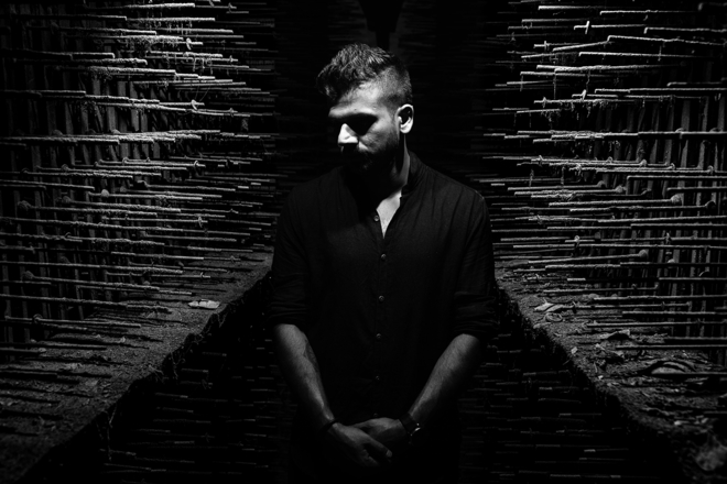 Indian electronic artist Kohra announces a debut LP titled 'akhõ'
