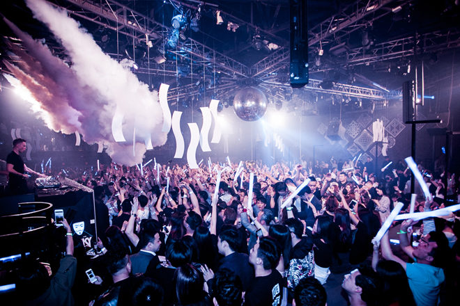 MYST Club in Shanghai is closed following reports of a massive brawl that lasted into the daytime