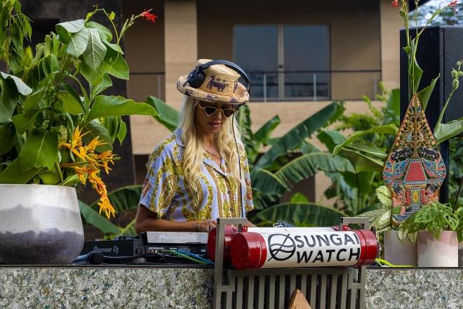 Lauren Lane & Rainforest Pavilion join us to stream for a cleaner Bali
