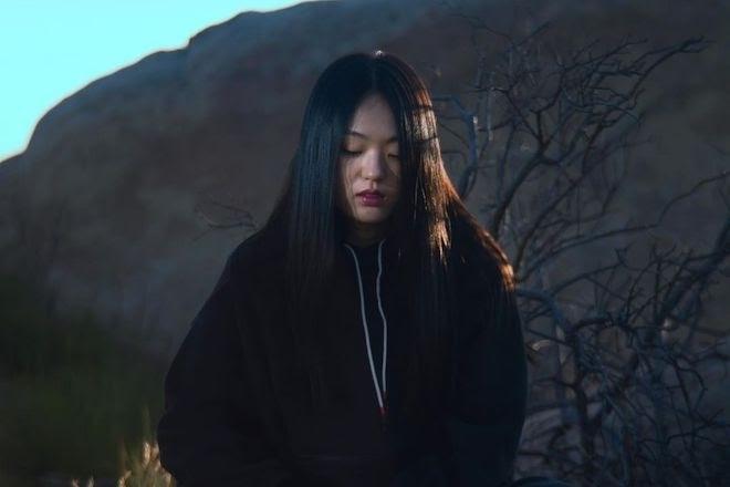 박혜진 Park Hye Jin's somber new single gets a little shimmer from Nosaj Thing