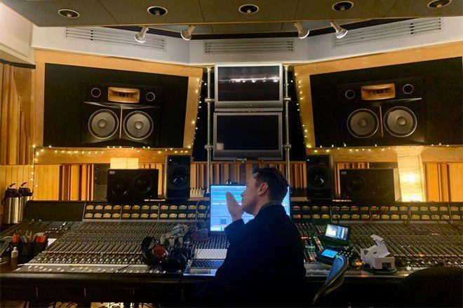 Elon Musk is making euphoric progressive house music