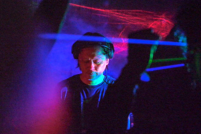 Ken Ishii is releasing a remix album of 'Abyssal Plain' featuring 8 new versions
