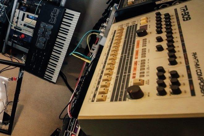 A new AI will write lyrics for any instrumental track